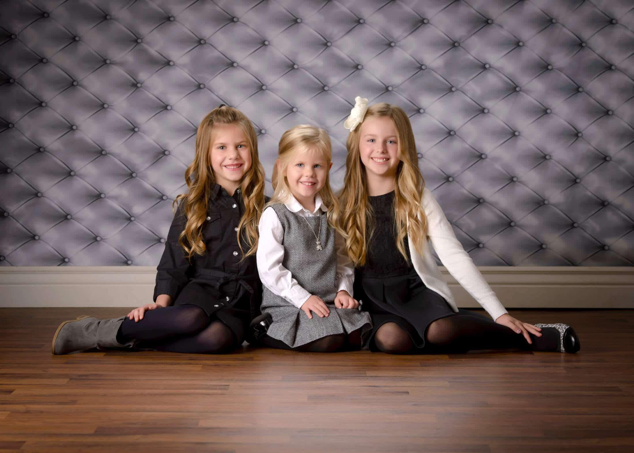 child portrait girls cousins