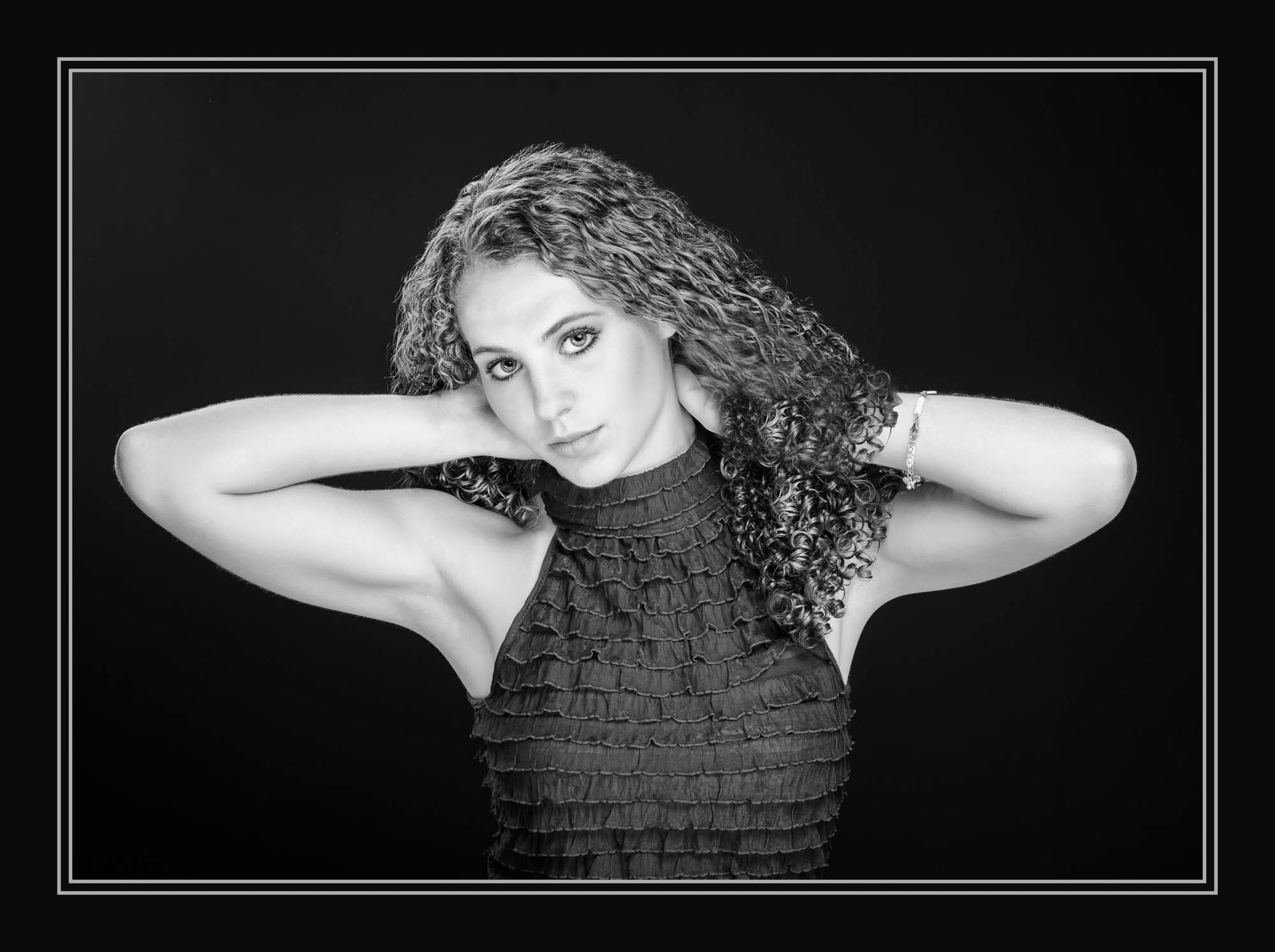 senior picture girl stunning black and white